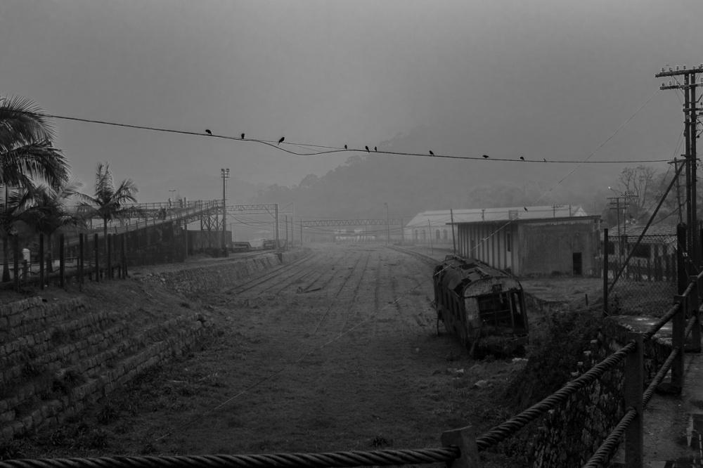 7a Linhas velhas de trem e a neblina Ppiacaba 15Set18-1